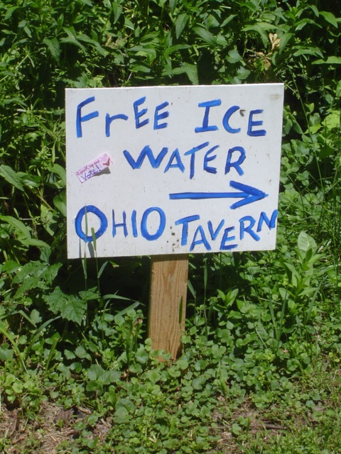 image of sign for free ice water